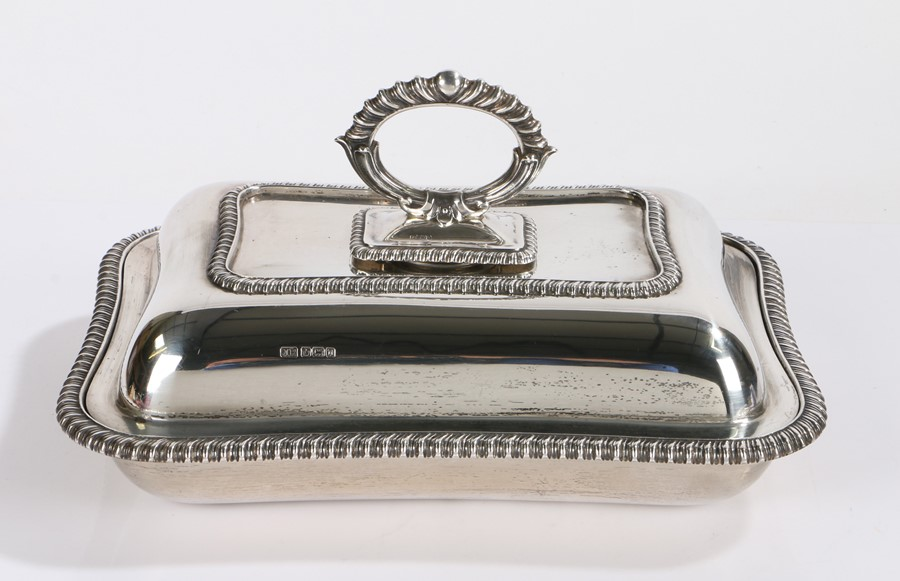 George V silver entrée dish and cover, the gadrooned detachable handle above a domed lid with