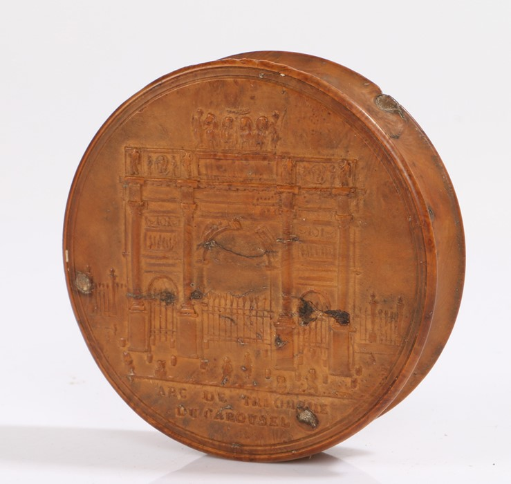 Early 19th Century French pressed wood snuff box, titled Arc De Triomphe Du Carousel, the base of