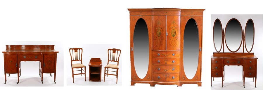 Fine early 20th Century satinwood and polychrome painted bedroom suite, each piece with painted