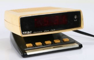 1980's/90's Zeon electronic alarm clock, 14cm wide