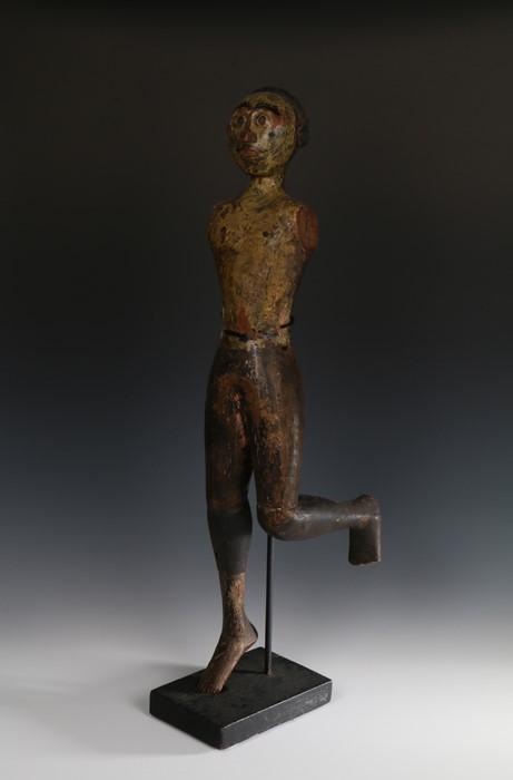 Rare 19th Nicobar Islands male Figure, Bay of Bengal, of a Kareau (Scare Devil) figure having bright - Image 2 of 2
