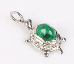 18 carat white gold, emerald and diamond pendant in the form of a tortoise, the carapace set with an
