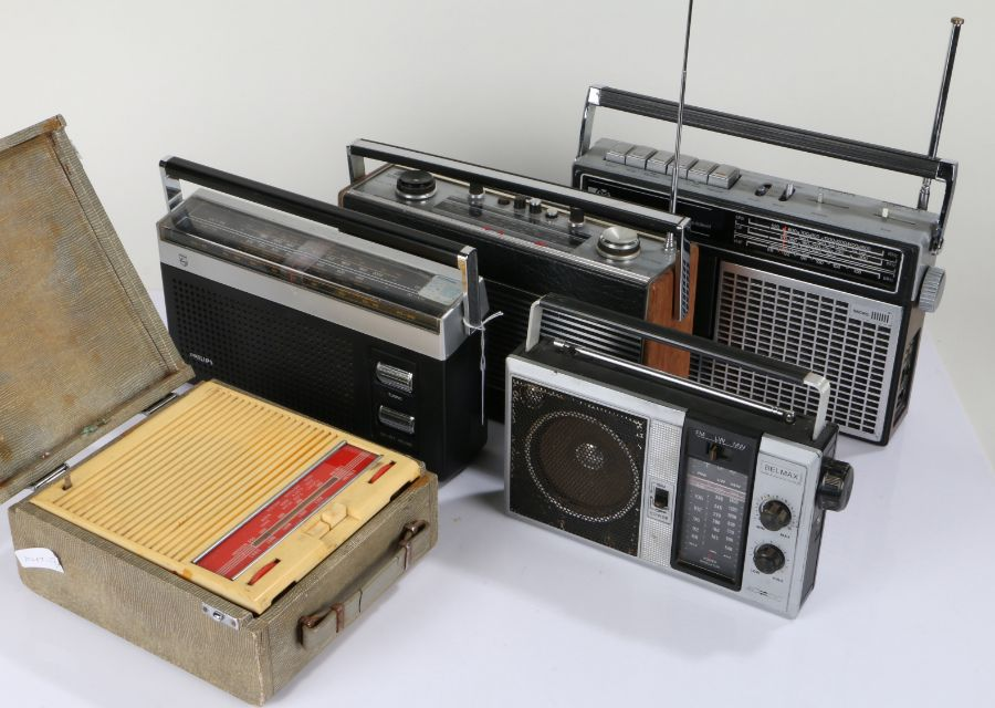 Collection of 20th Century portable radios, to include a Philips RL 230, Roberts R, Pye model