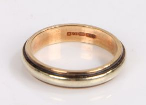 9 Carat Gold ring, ring size P, gross weight 4.5g