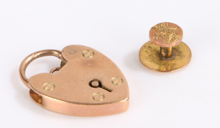 9 carat gold padlock clasp, 9 carat gold dress button, 4.7g (2)