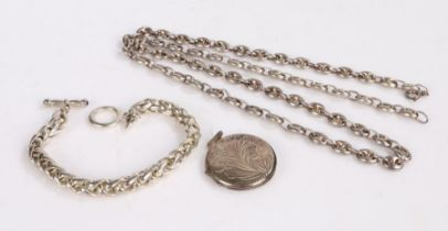 Silver chain link necklace together with a silver pendant and a white metal bracelet (3)