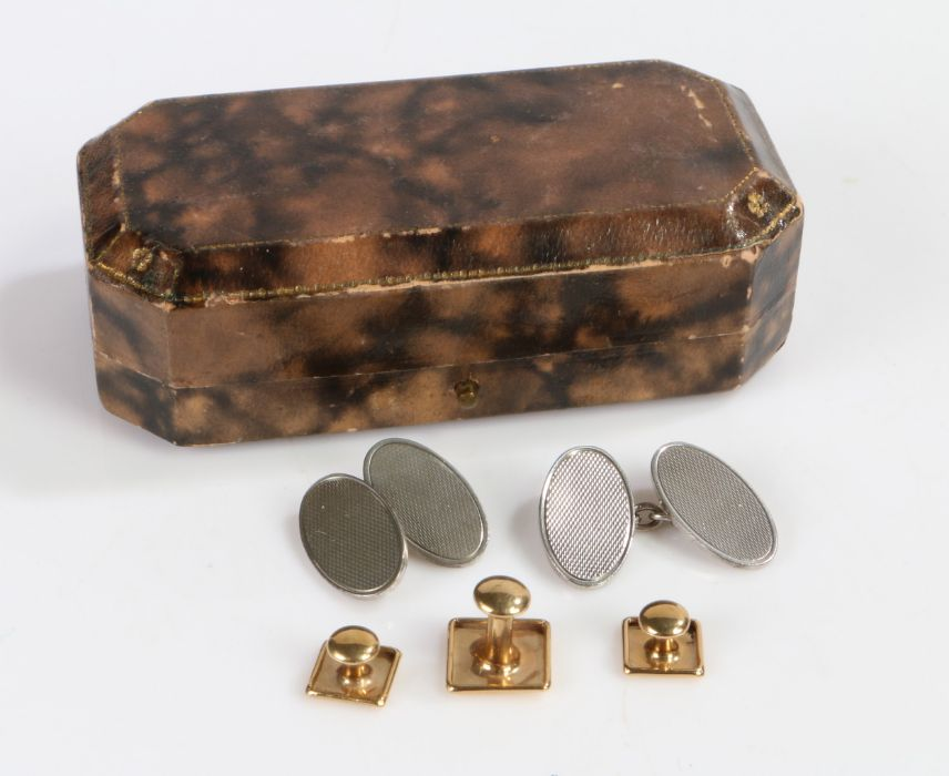Pair of 9 Carat Gold cuff links together with a single 9 carat gold cuff link gross weight 1.8g, and