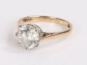 9 carat gold ring set with clear paste, ring size M, 2.5g