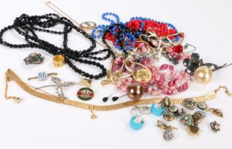 Collection of costume jewellery to include necklaces and a watch - VENDOR TO COLLECT 13.08.21-IN