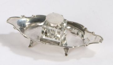 Edward VII silver inkwell, London 1902, maker Robert Pringle, the square form clear glass inkwell