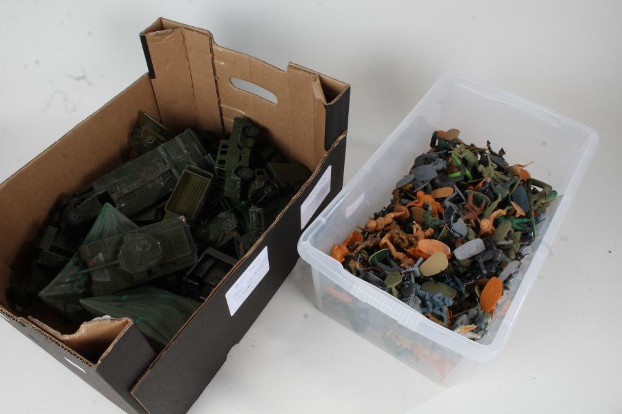 Collection of plastic soldiers together with military vehicles to include tanks and other vehicles