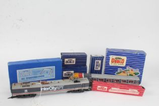 Collection of Hornby Dublo, including D1 Level Crossing, D1 Footbridge, 4605 40 Ton Bogie Well