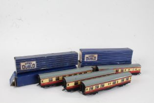 Hornby Dublo coaches, to include three D12 Corridor Coaches and a D20 Composite Restaurant Car (4)
