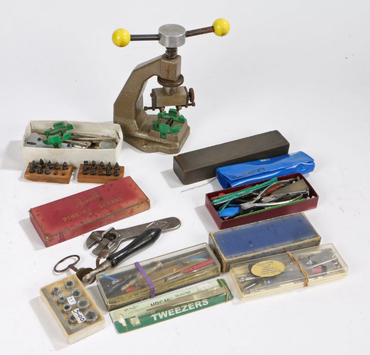 Watch case opener, together with parts and fittings (qty)