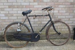 """Mid 20th Century Raleigh """"sports model"""" gentlemans bicycle, with Sturmey Archer gear change to the"""