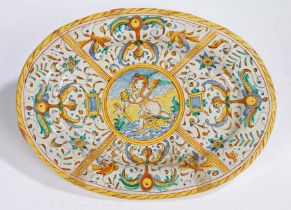Italian Maiolica plate, late 16th Century, Urbino, in the manner of Antonia Patanazzi, with a