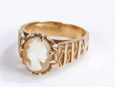 9 carat gold ring set with an oval cameo depicting a lady in profile, ring size L, 4.6g