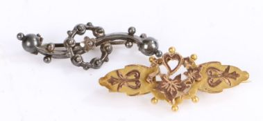 9 carat gold brooch, with pierced heart and leaf decoration, 4cm wide, 2.3g, silver brooch with