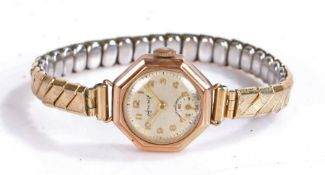 Accurist 9 carat gold ladies wristwatch, the signed silver dial with Arabic numerals and