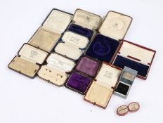 Collection of antique jewellery boxes to include bracelet boxes and various others (Qty)