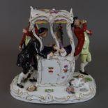 Rokoko-Figurengruppe - Potschappel, Dresden, Porzellan, polychrom bemalt, gold staffiert, Sänfte mi