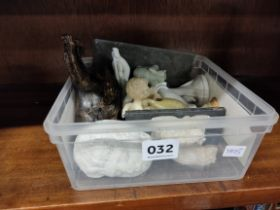 SMALL BOX OF FIGURES