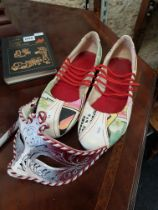 PAIR OF ORIENTAL SHOES AND MASQUERADE MASK