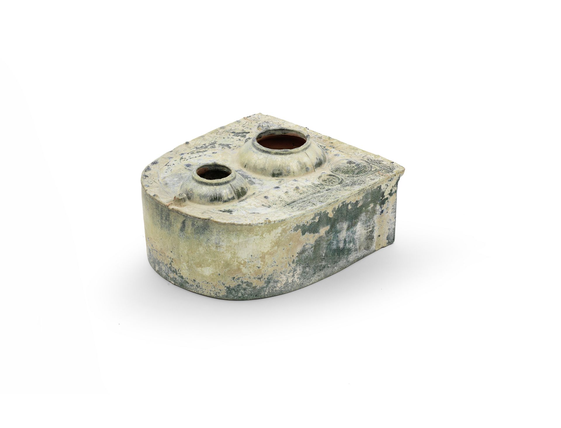 A GREEN-GLAZED POTTERY MODEL OF A STOVE Eastern Han Dynasty (2)