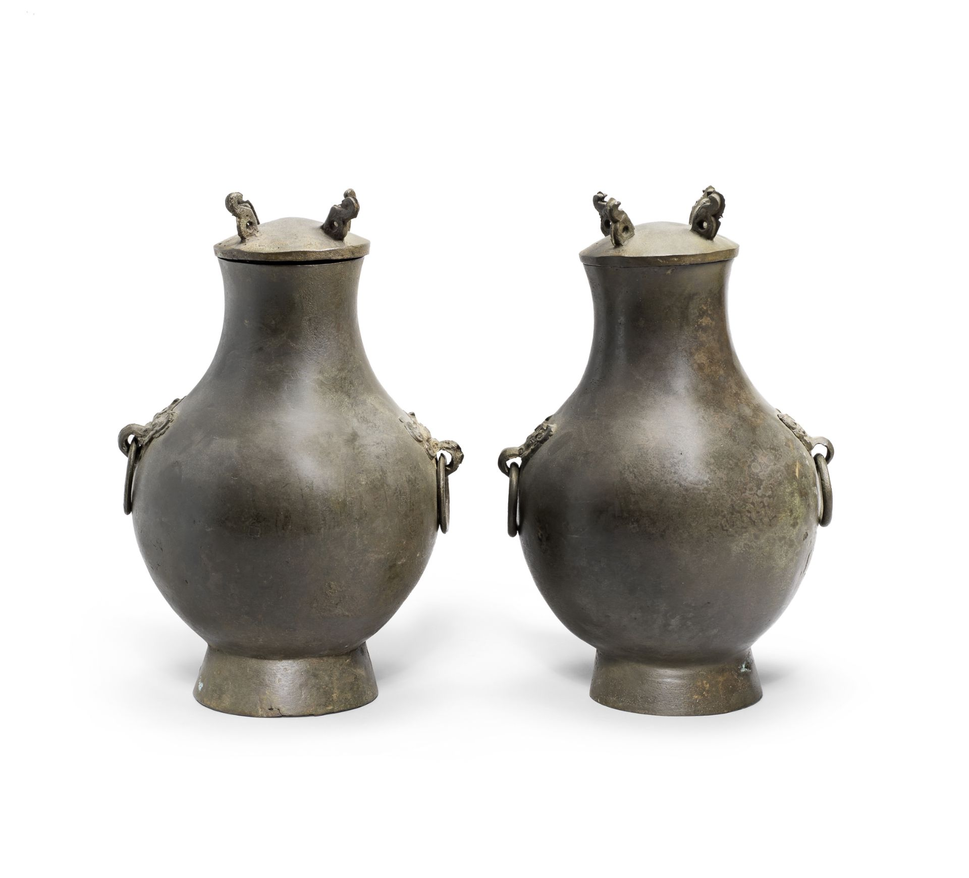 A PAIR OF BRONZE RITUAL WINE VESSELS AND COVERS, HU Han Dynasty (4)