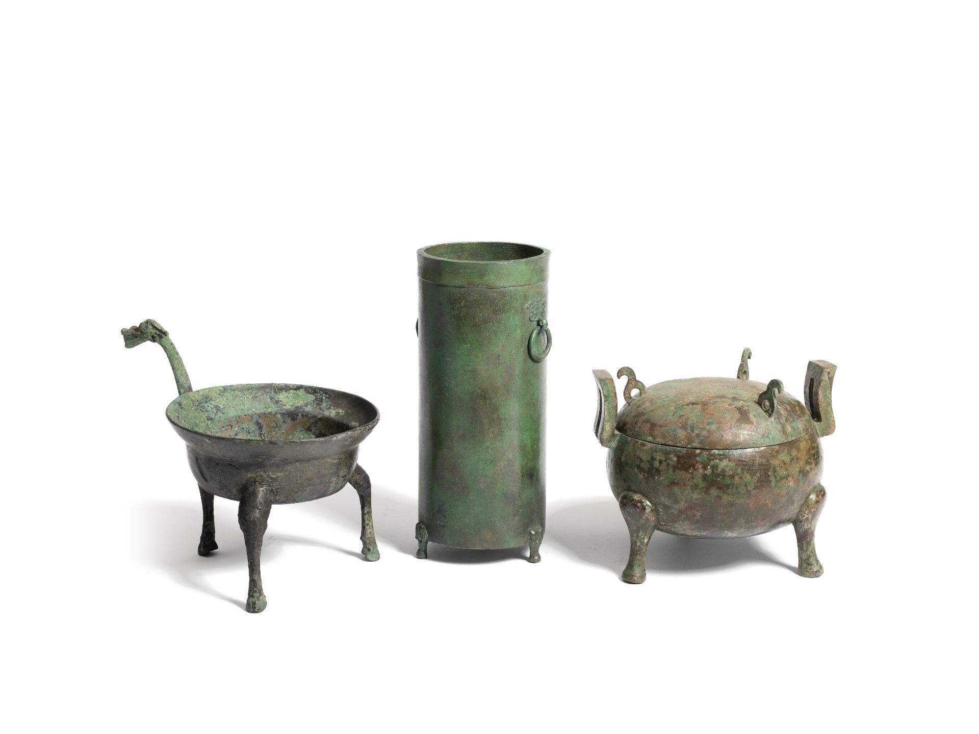 THREE ARCHAIC BRONZE RITUAL VESSELS Warring States/Han Dynasty (4)