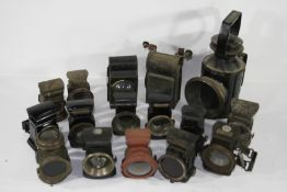 Assorted oil illuminated cycle lamps, ((Qty))