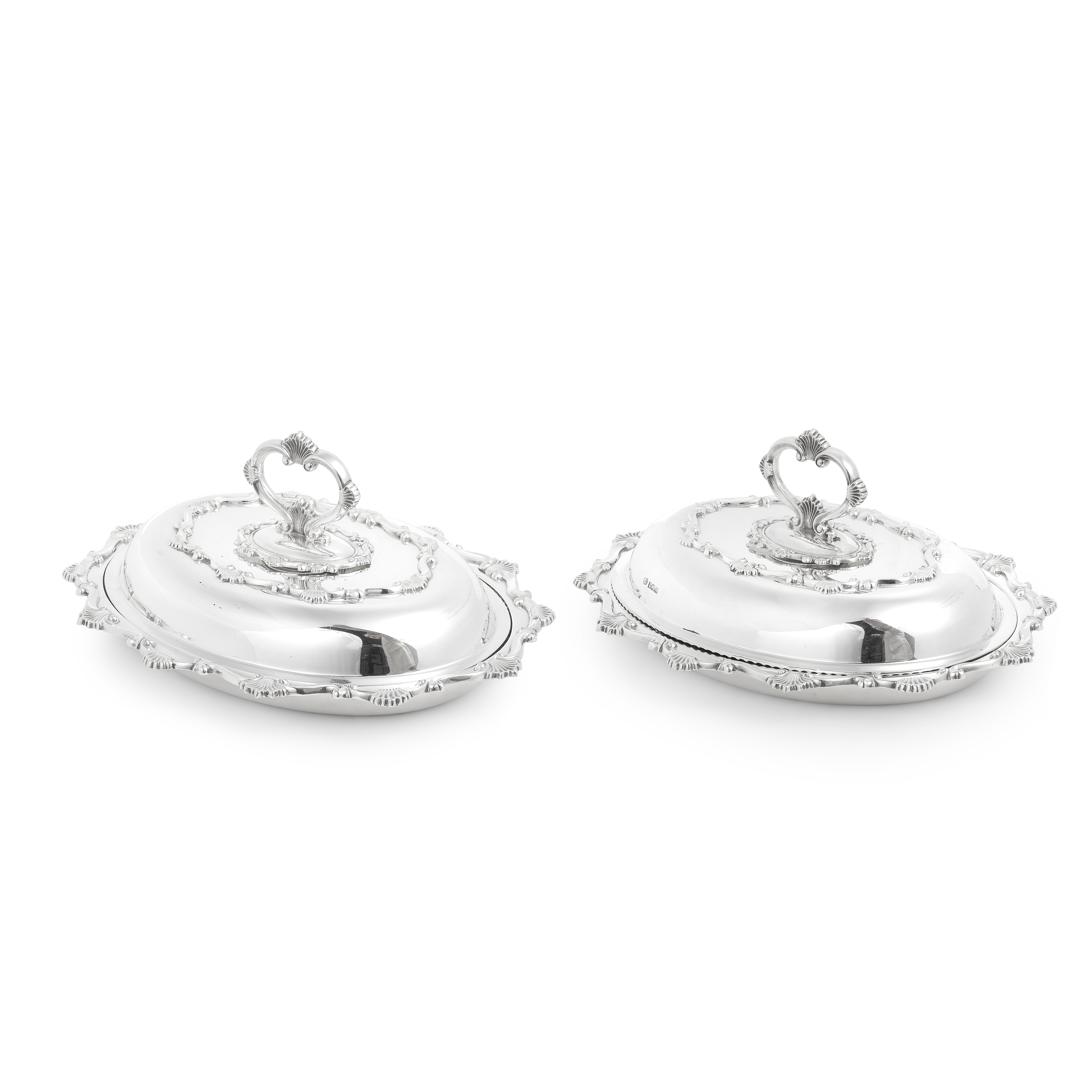 A pair of silver entrée dishes and covers John Round & Son Ltd, Sheffield 1905 (2)