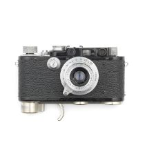 A Leica white dial synchronisation converted from a Leica II of 1932,