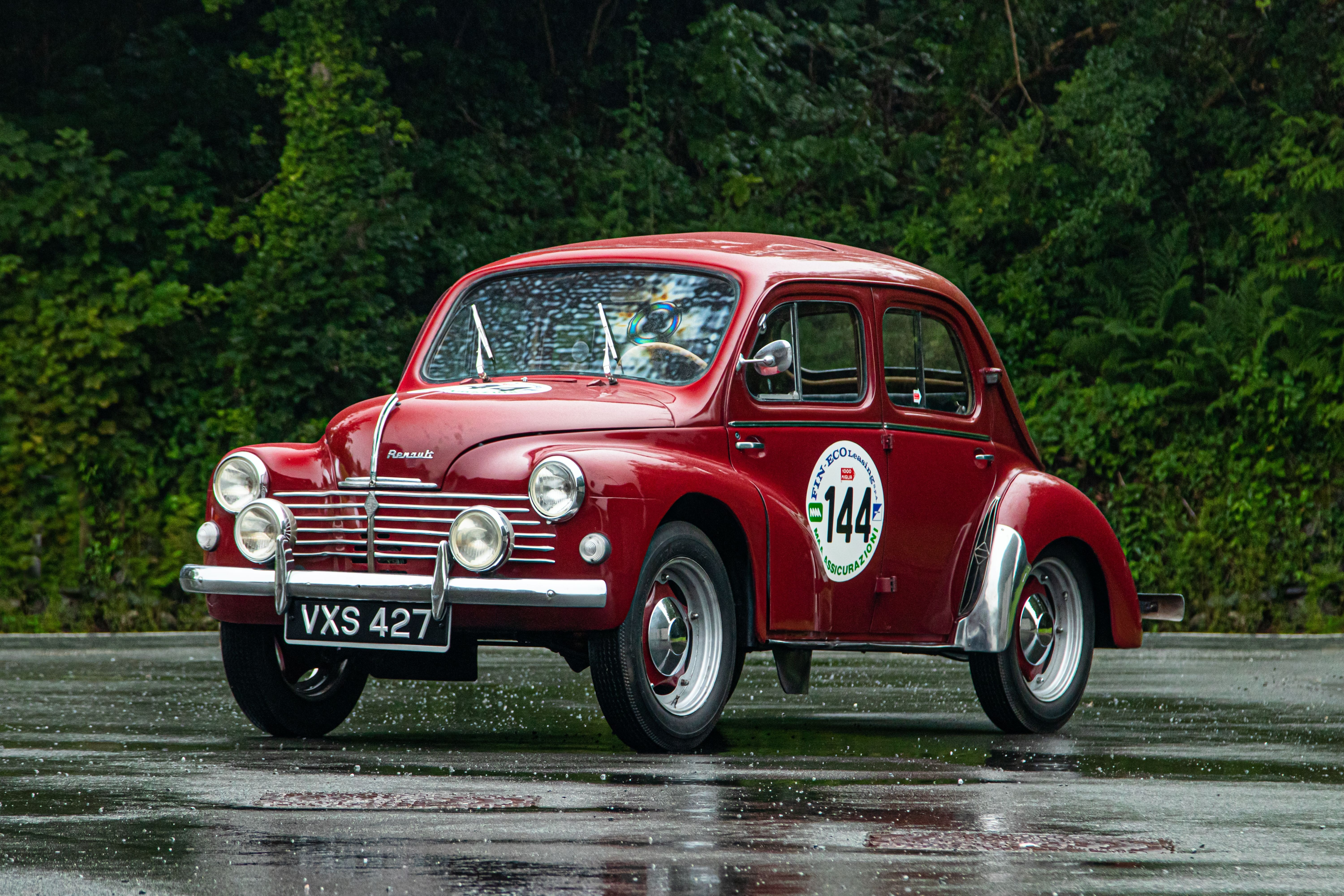 1951 Renault 4CV Grand Luxe Saloon Chassis no. 1582033