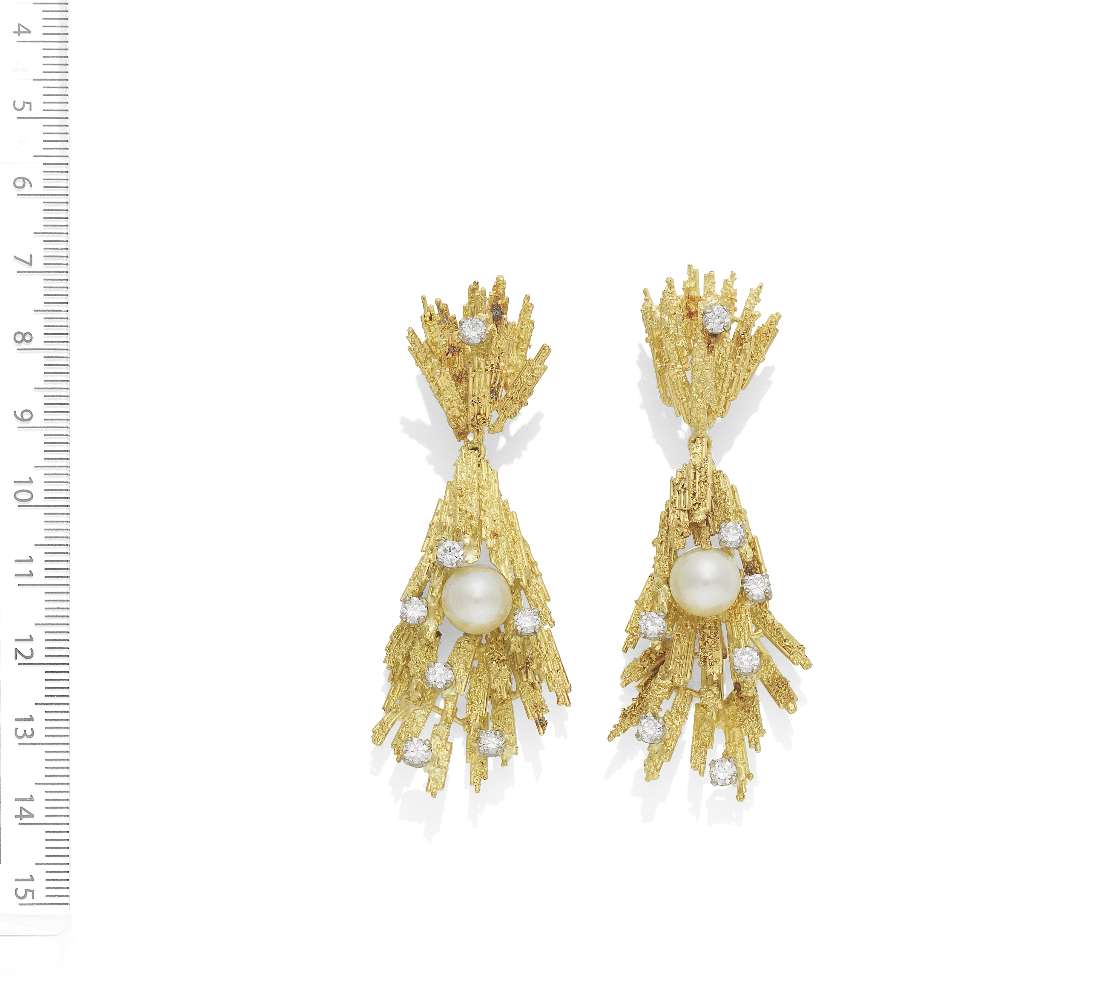 ALAN MARTIN GARD: CULTURED PEARL AND DIAMOND PENDENT EARRINGS, CIRCA 1970