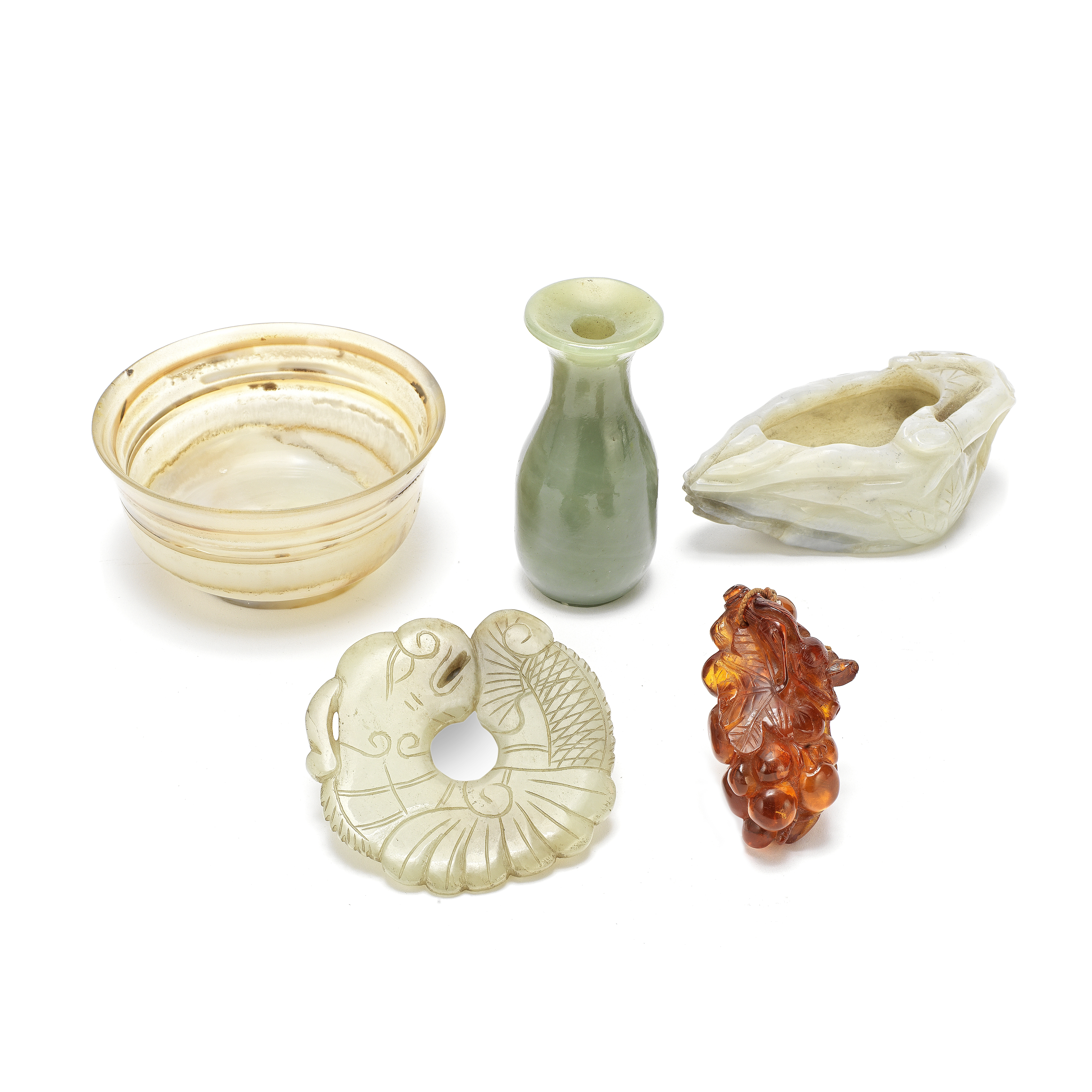 A GROUP OF FIVE VARIOUS JADES AND HARDSTONES 19th/20th century (7)