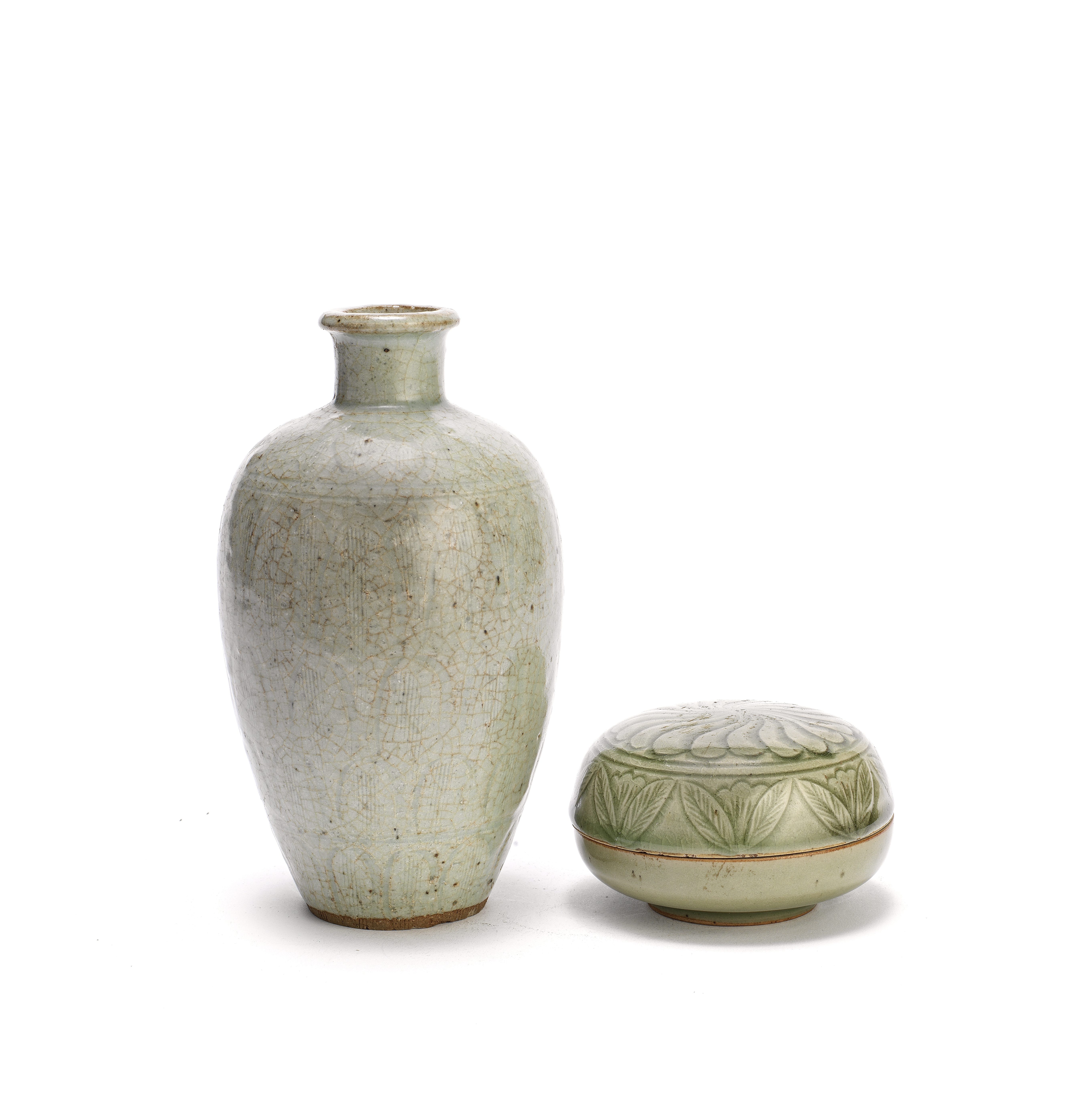 A LONGQUAN CELADON-GLAZED BOX AND COVER AND A CELADON-GLAZED MEIPING Southern Song Dynasty (3)