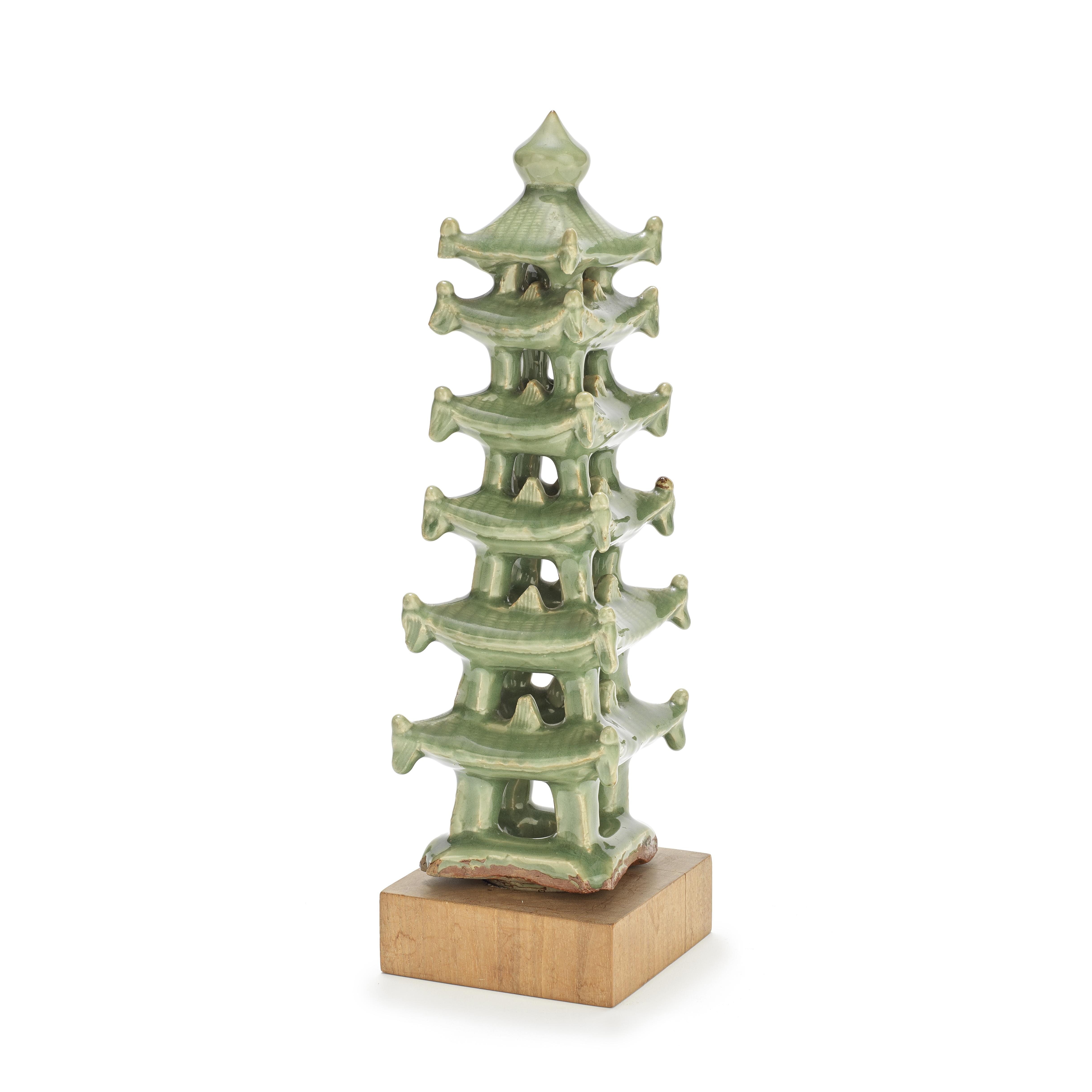 A CELADON-GLAZED PAGODA Ming Dynasty or later (3)