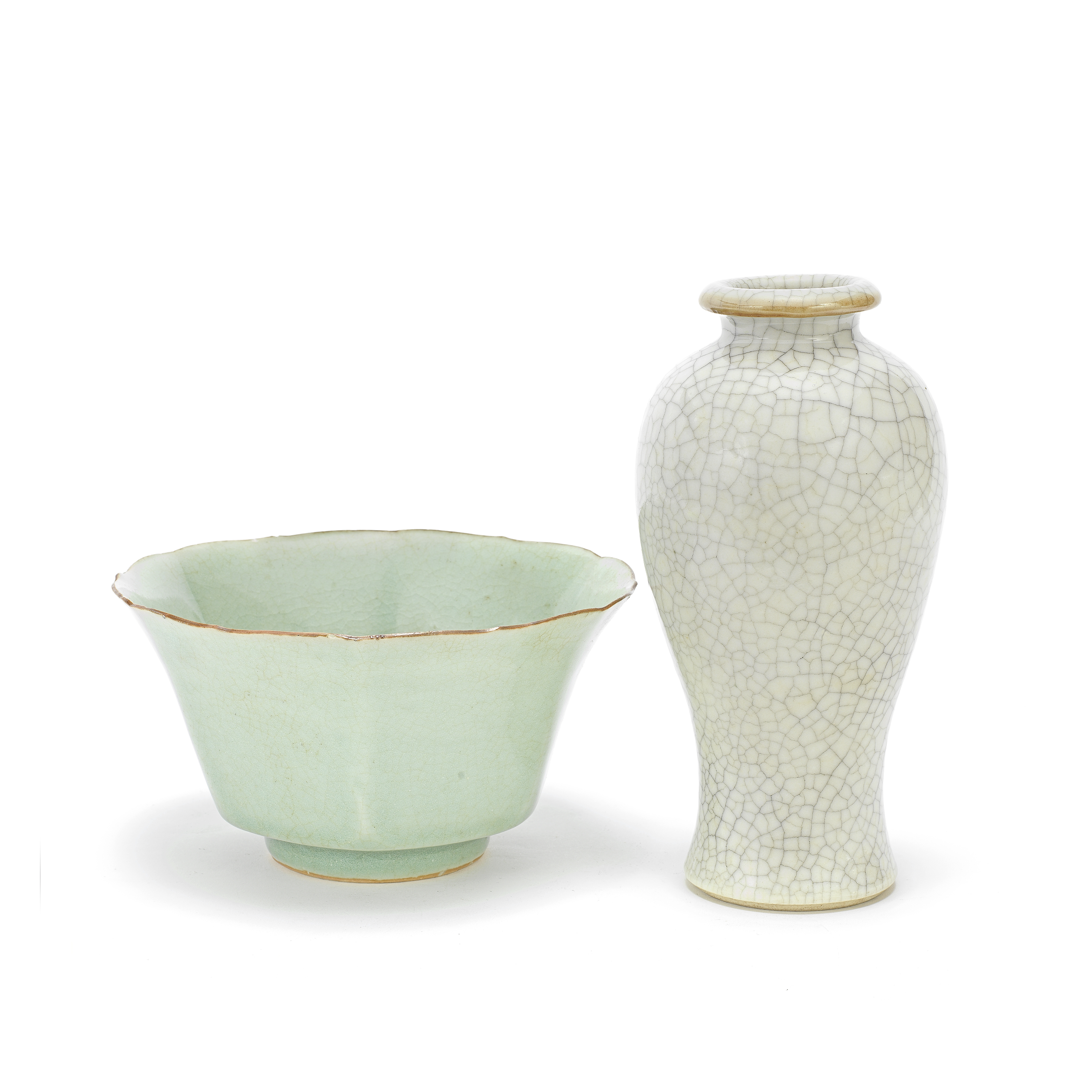 A CELADON-GLAZED LOBED BOWL AND A GE-TYPE VASE, MEIPING 18th century (2)