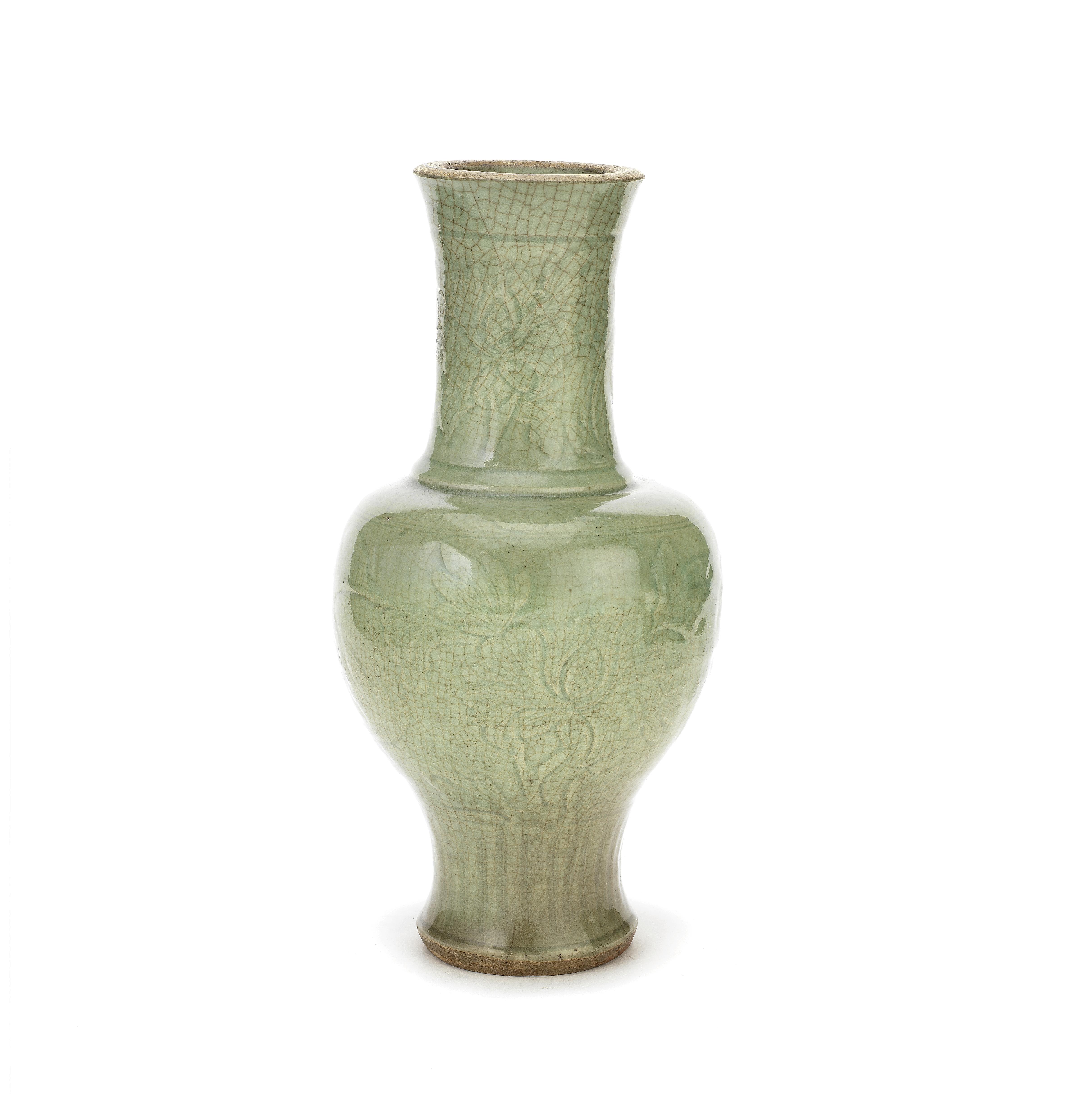 A LONGQUAN CELADON CRACKLE-GLAZED BALUSTER VASE Ming Dynasty (2)