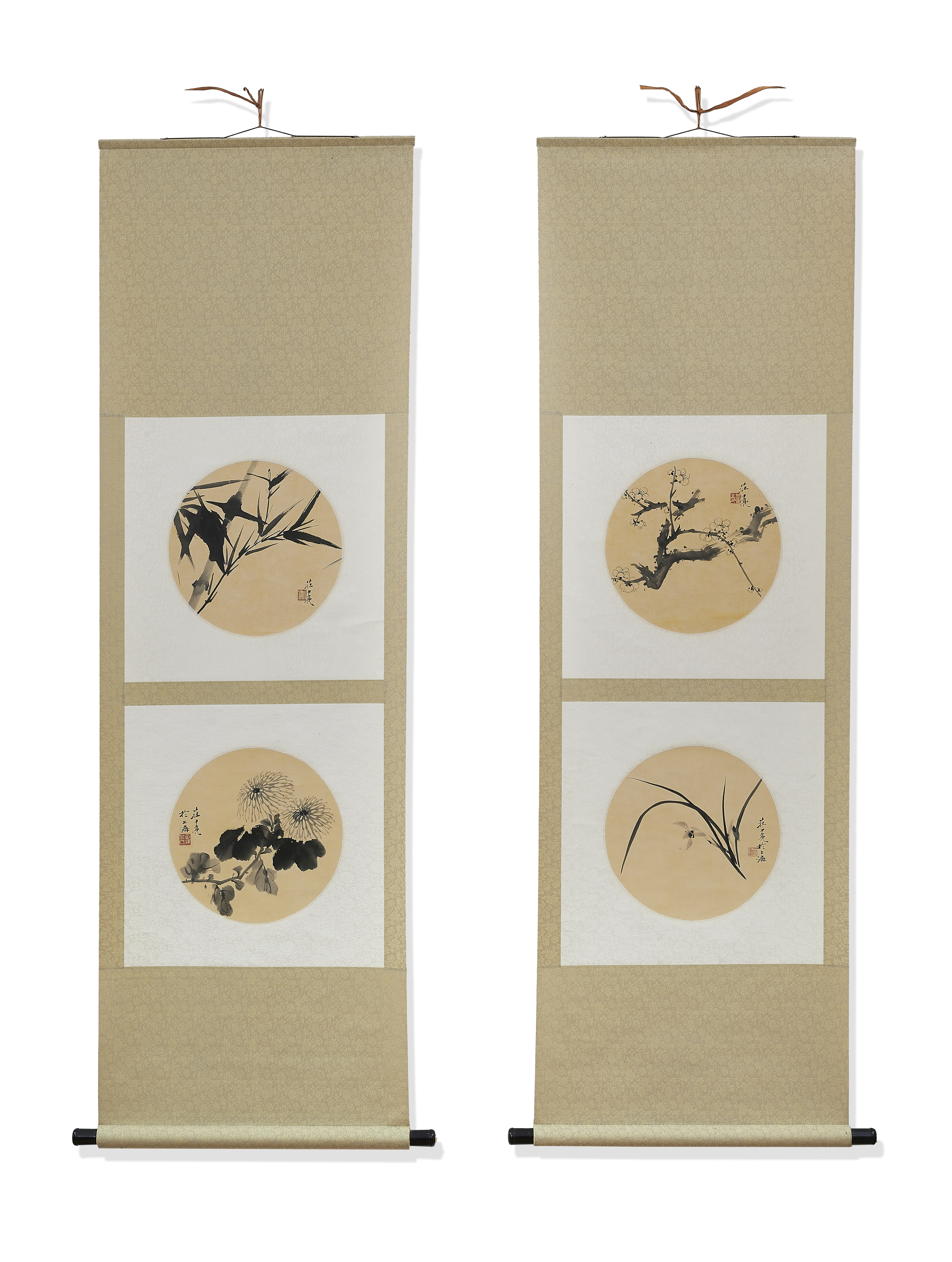 FOUR CIRCULAR FAN PAINTINGS MOUNTED ON TWO HANGING SCROLLS First half 20th century (2)