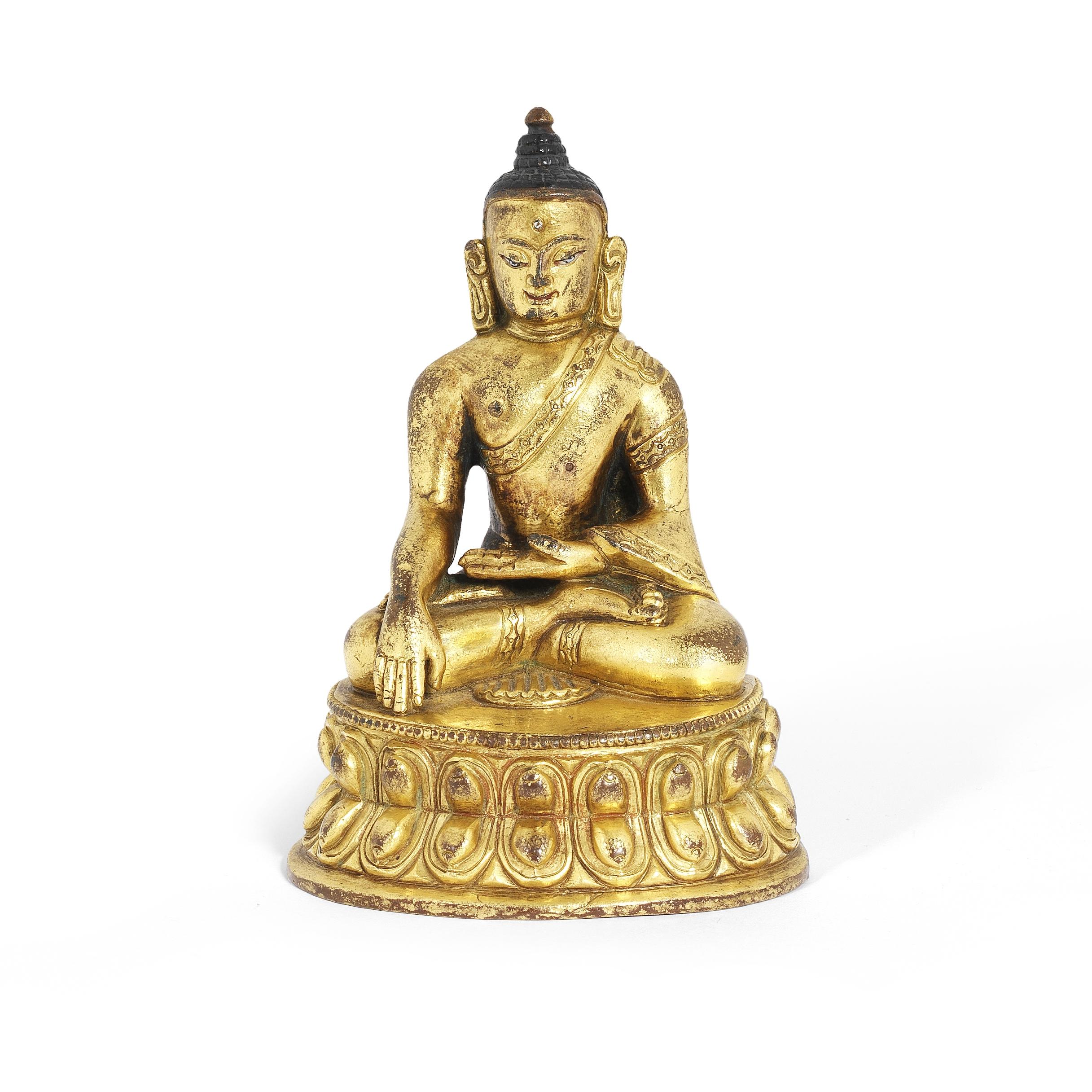 A GILT BRONZE FIGURE OF BUDDHA SHAKYAMUNI 17th/18th century