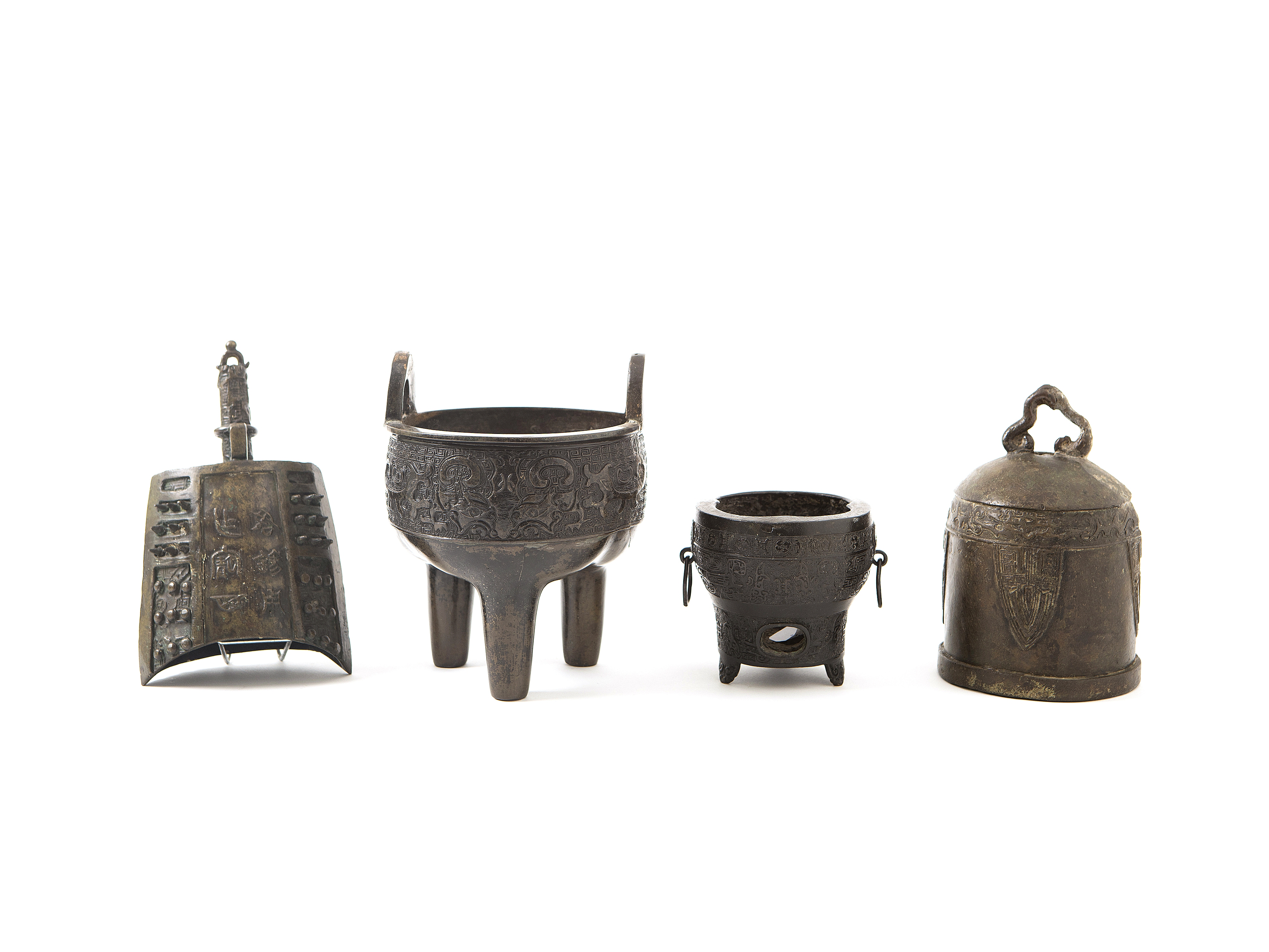 FOUR ARCHAISTIC BRONZE RITUAL VESSELS Yuan/Ming-Qing Dynasty and possibly later (4)