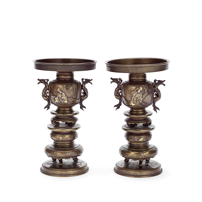 A PAIR OF BRONZE USUBATA VASES Meiji Period (4)