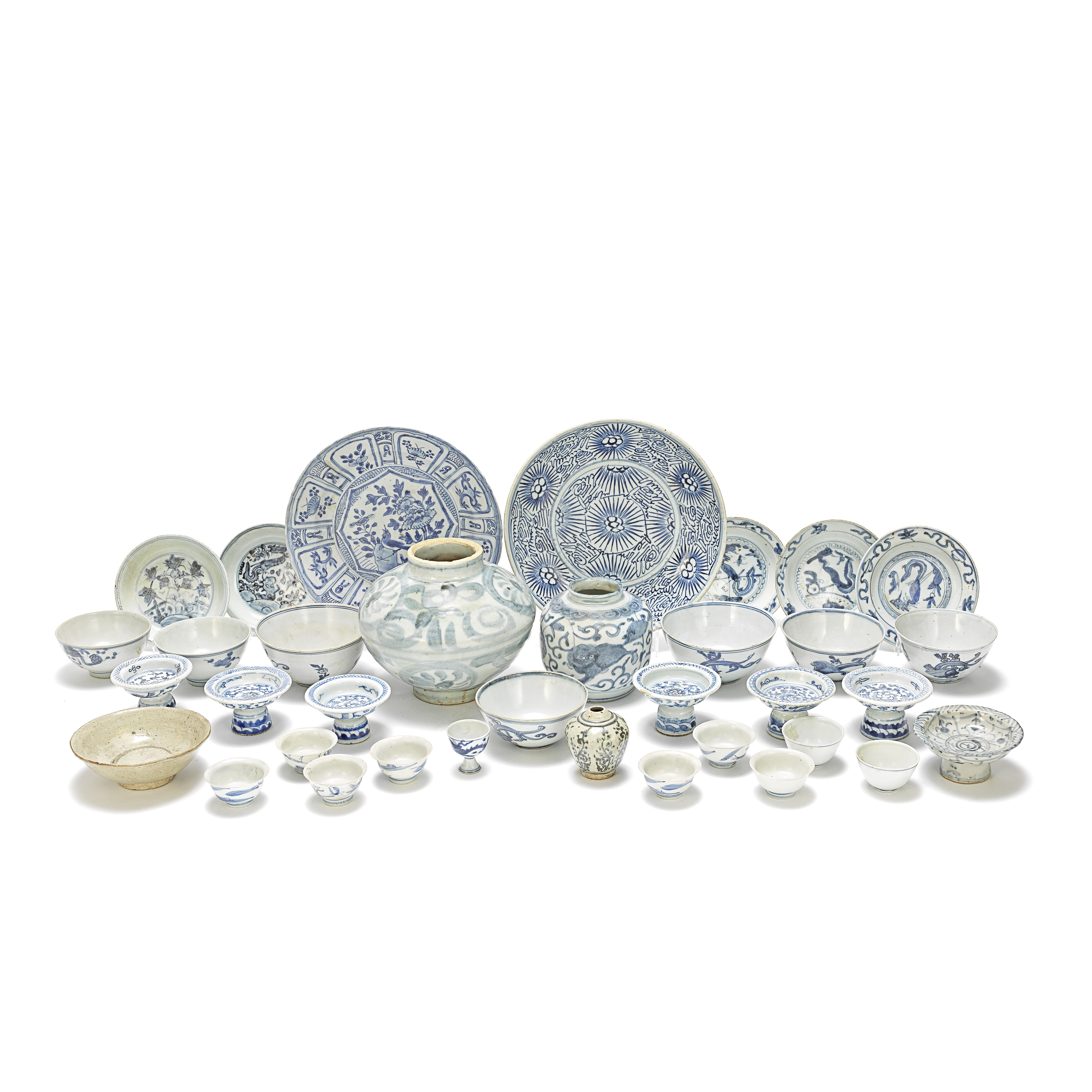 A KRAAK PORCELAIN DISH AND OTHER BLUE AND WHITE WARES INCLUDING SHIPWRECK AND PROVINCIAL PORCELAI...