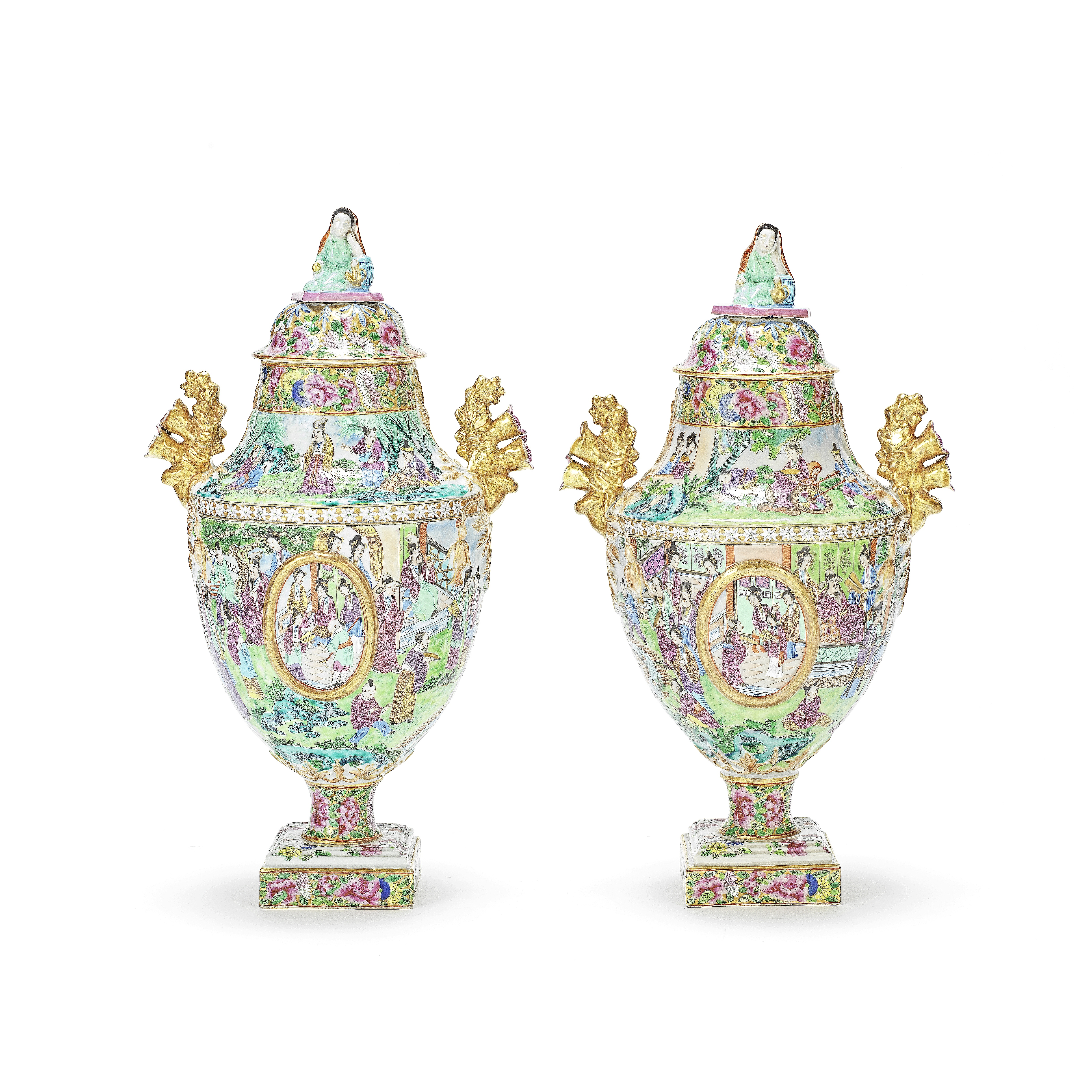 A PAIR OF 'CANTON' FAMILLE ROSE URNS AND COVERS 19th century (4)