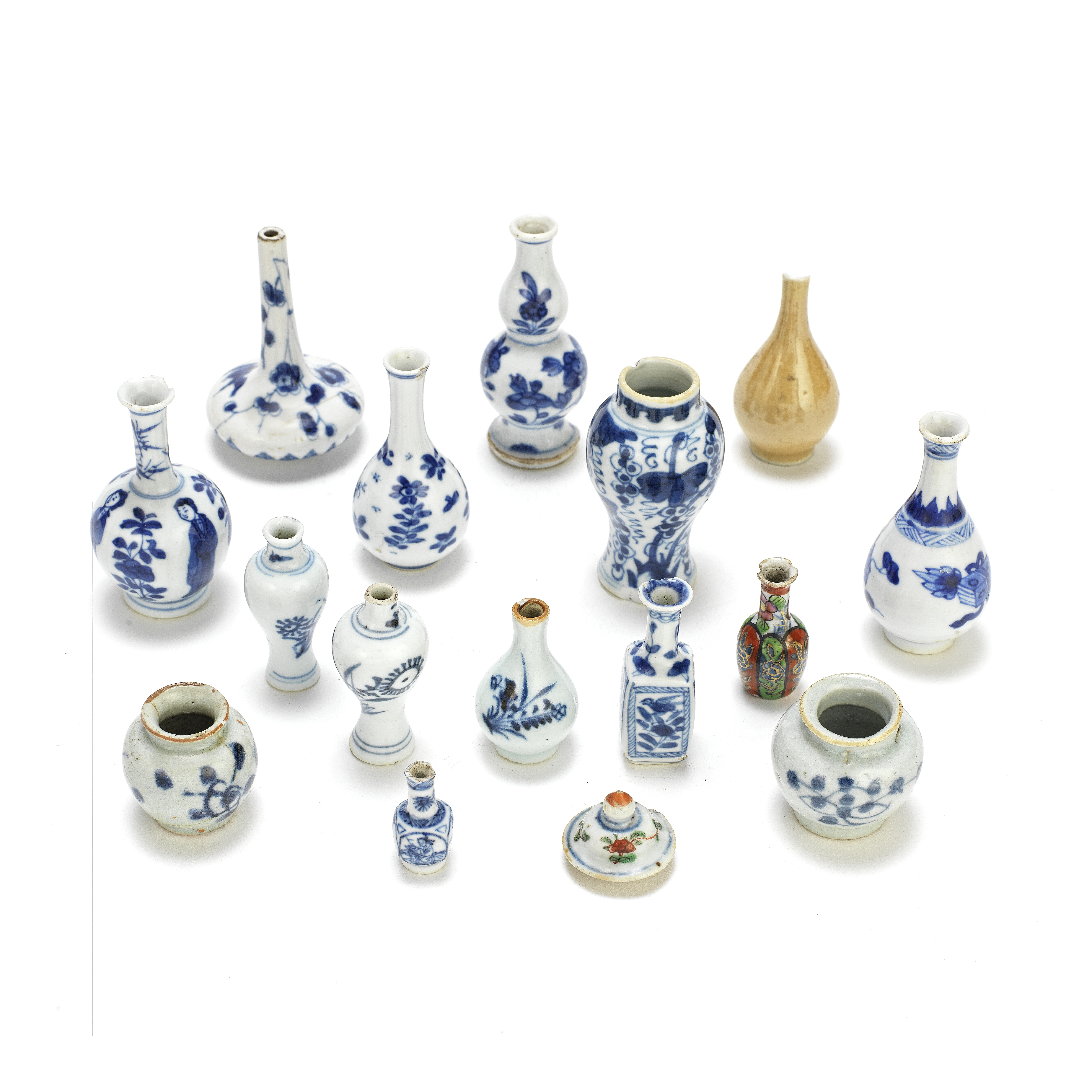 A GROUP OF FIFTEEN DOLL'S HOUSE MINIATURE VASES AND ONE LID 18th/19th century (16)