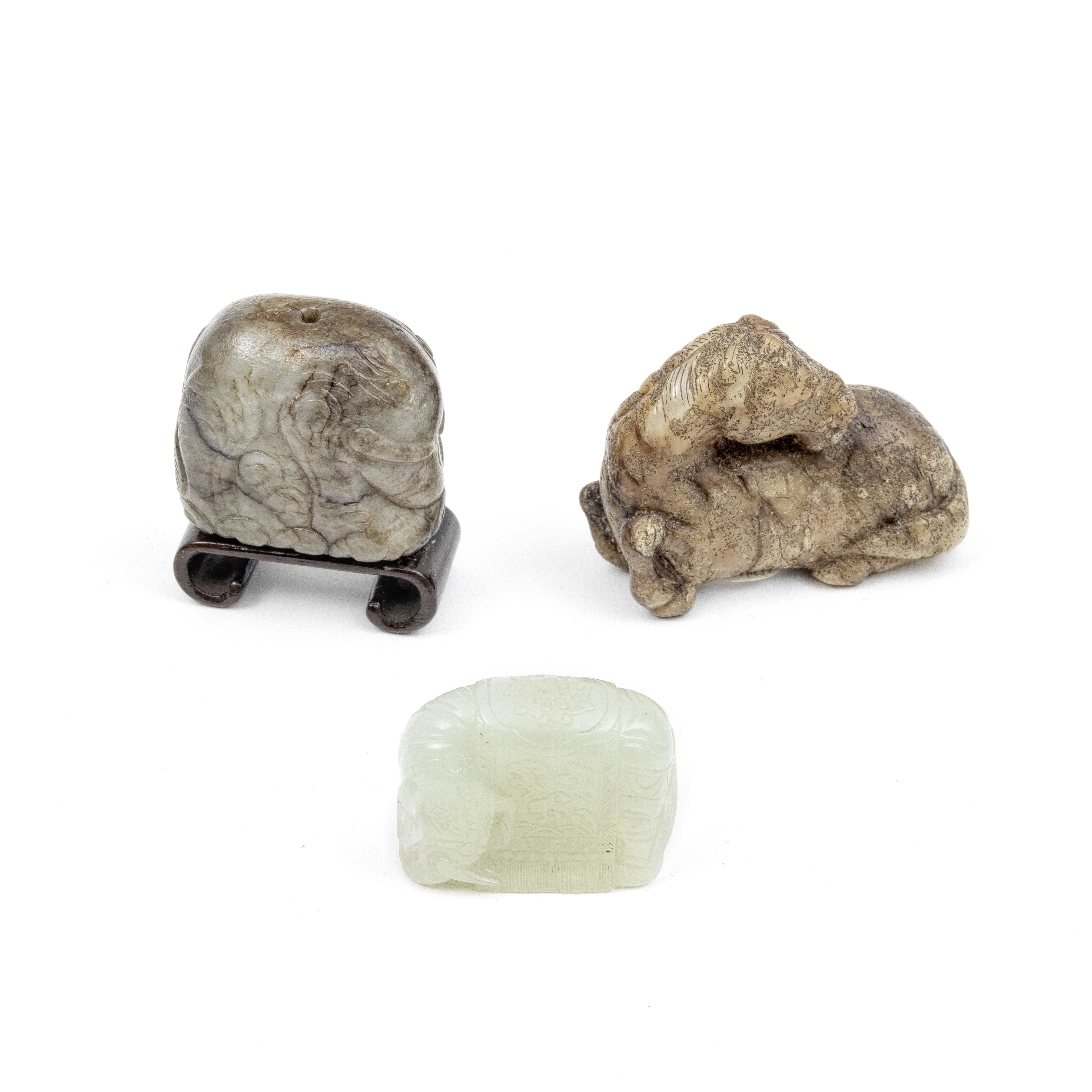 A GROUP OF THREE JADE ANIMALS 19th century and later (4)