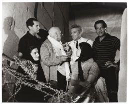 Lucien Clergue (1934-2014) Pablo Picasso et Jean Cocteau entourés de Serge Lifar, Luis Migue...