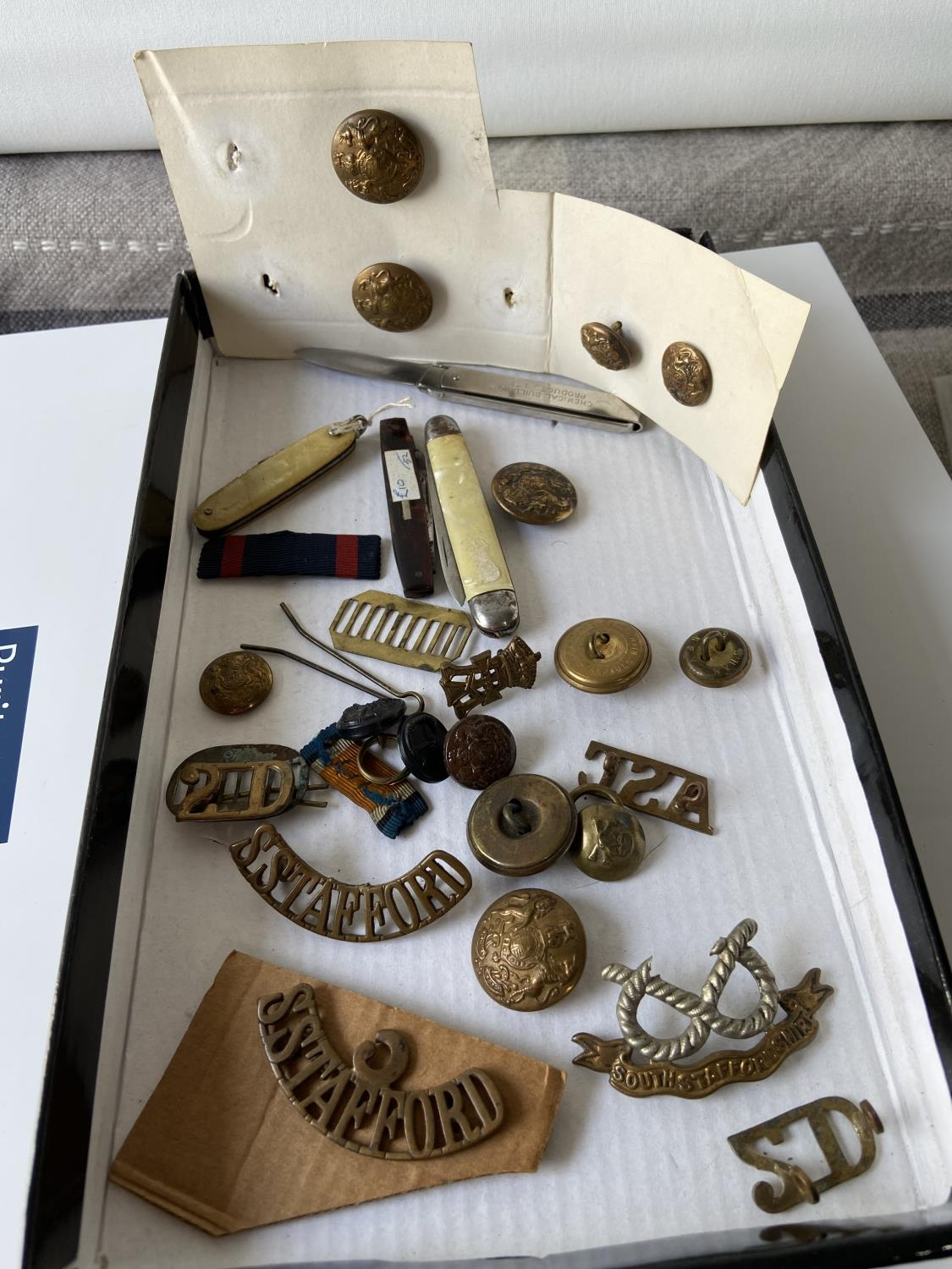 A selection of military items to include; silk Royal Scots Gray's [Happy Home], South - Image 4 of 4